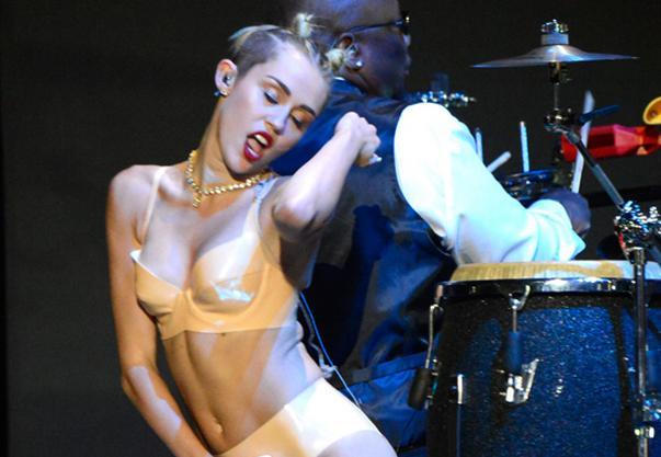 Timberlake: Mileys optræden var ok! justin timberlake, miley cyrus,
