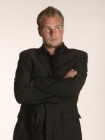Uffe Holm: Ikke mit bord! uffe holm, vild med dans