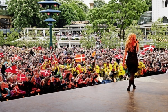 Emmelie sælger ikke billetter! emmelie de forest, eurovision