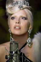 Lady Gaga holder koncert i rummet! lady gaga