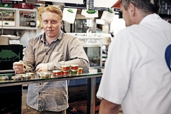 Dinesen afslører: Jeg er homoseksuel! kræsne købere, mads dinesen