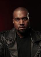Kim Kardashian nøgen i ny video! kim kardashian, kanye west