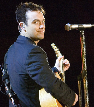 Robbie: Rask nok til Holland !? robbie Williams, Take That, Tvguide.dk, gossip, aflyser