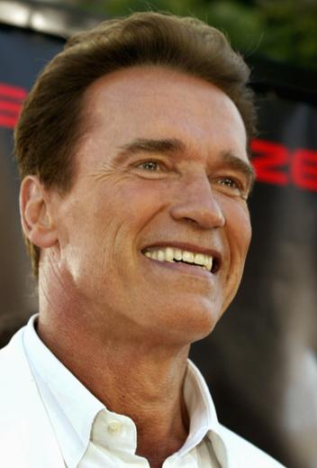 Arnolds stewardesse sagsøger ! Arnold schwarzenegger, film, gossip, skilsmisse, hollywood, tvguide.dk