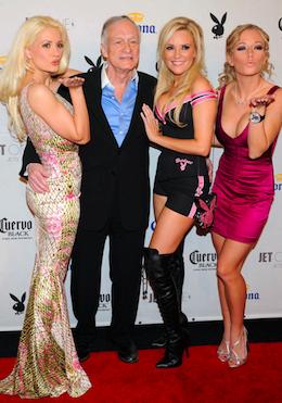 Hugh Hefner kan stadig med damerne !   Hugh Hefner, sex, playboy, gossip, tvguide.dk, jayde Nicole
