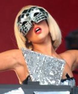 Simon Cowell sviner Lady Gaga ! Simon Cowell, Lady Gaga