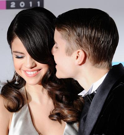 Justin Bieber og Cheryl Cole kysser! Justin Bieber, Cheryl Cole, Selena Gomez,