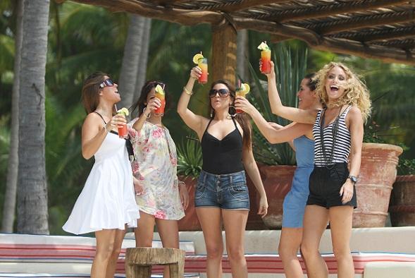 Realitystjerner nasser bryster! Paradise Hotel, Sy Lee, Divaer i junglen, Fristet,