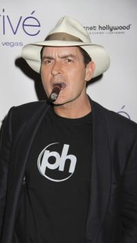Charlie Sheen fyret fra Two and a Half Men ! charlie sheen,Two and a Half Men,
