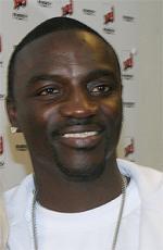 Alle Akons koner Akon, Senegal