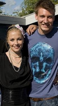 Bendtner - Jeg elsker Caroline ! bendtner,caroline fleming,