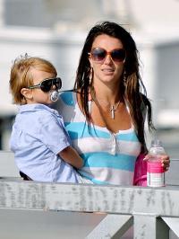 Britney Spears sprang ud i den Svenske skærgård britney spears, jason trawick,