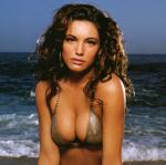 Kelly Brook: Mine bryster er for store  kelly