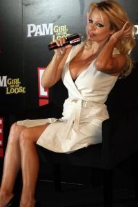 Pamela Anderson til Casper Christensens talkshow ! pamela anderson, casper christensen,