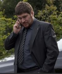 Rasmus Bjerg overfaldt servitrice, nu sigtet for vold ! rasmus bjerg, livvagterne,