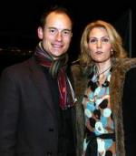 Thornings husbond anholdt Helle Thorning Smith, Rusland, politik