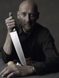 Tv-kokken Boserup anholdt med kniv i lufthavnen ! boserup, tv kok,