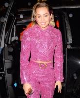 Miley Cyrus flytter ind med kæresten! miley cyrus, liam hemsworth