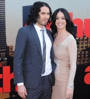Katy Perry sviner avis efter interview! katy perry, russell brand