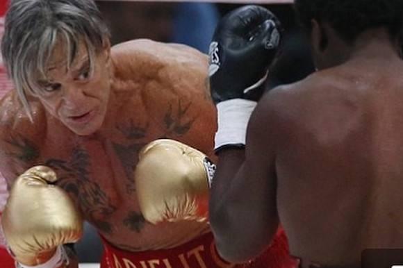 Hollywood-stjerne tæver ung bokser! mickey rourke, boksning