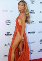 Nina Agdal til modelfest uden trusser! Nina Agdal, trusser, Sports Illustrated