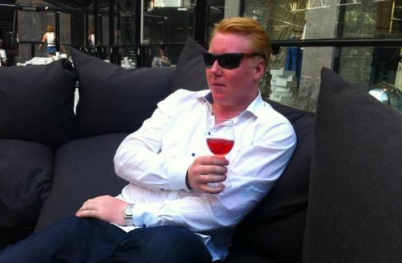 Mads Dinesen åbner Secret Gay bar ! mads dinesen, gay, tv3, kræsne købere