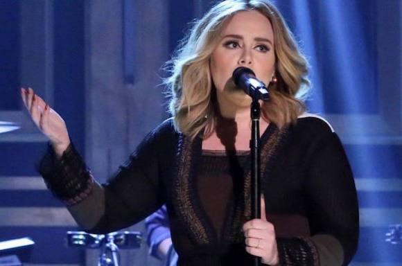 Adele afslører: Jeg kommer til Danmark! adele