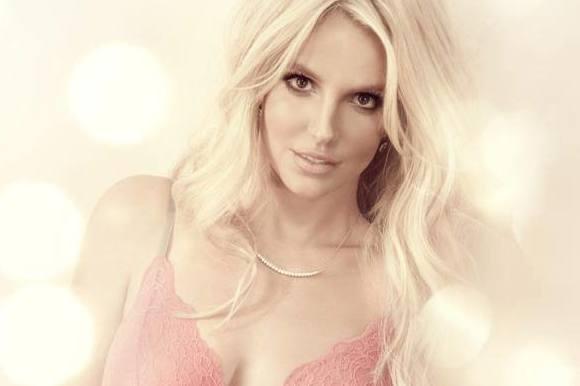 Frækt undertøj får Britney til DK! britney spears, musik