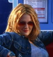 Drew Barrymore k�mper med v�gten! drew barrymore, hollywood