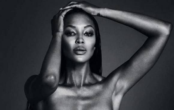 Naomi Campbell viser bryster! naomi campbell