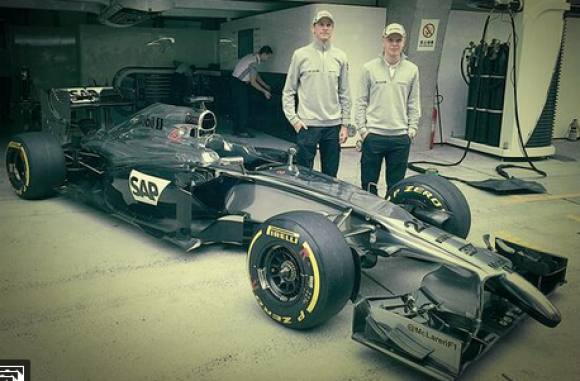 Farmand forsvarer Kevin Magnussen! Jan Magnussen, Kevin Magnussen, Formel 1, Button