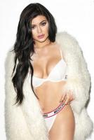 Kylie Jenner afslører: Blev mobbet! kylie jenner, kardashian