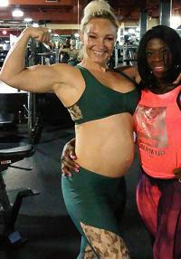 Kronborg træner med gravid mave! Stine Kronborg, træner, gravid, mave