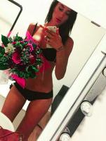 Fans sviner Medina efter undertøjs-selfie! Medina