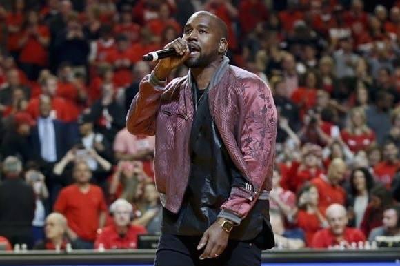 Kritik: Kanye West laver slavetøj!  Kanye West