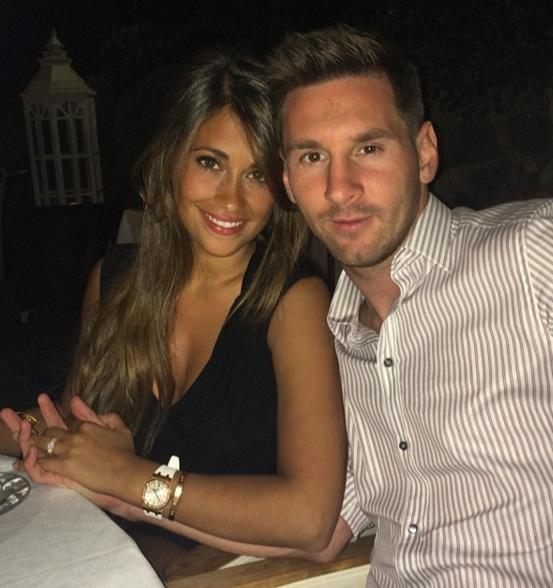 Akavet: Bager Ronaldo på Messis dame?   Ronaldo, Messi