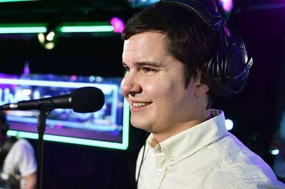 Lukas Graham skal v�re far! Lukas Graham, far, pause,