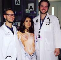 Salma Hayek med bryst-smutter på hospital! Salma Hayek, Bryster