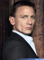 007 angrebet af bil 007, Daniel Craig