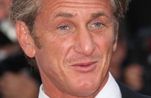 Sean scorer lækker brunette ! Sean Penn, brunette, lækker, tvguide.dk