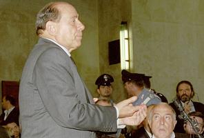 Berlusconis elskerinde er gravid ! skandale, belusconi, ruby, sex, gossip, tvguide.dk