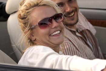 Britney Spears har dårlig hygiejne ! britney Spears, Britney, tvguide.dk, lap dance, gossip, dårlig hygiejne