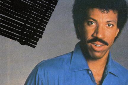 Se ny bizar udgave af Lionel Richies Hello! Lionel Richie, Hello,