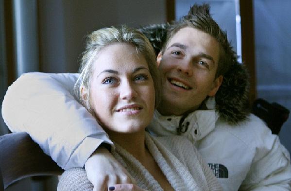 Amalie får Valentinsgave af Peter! amalie, paradise hotel, ulven peter, amalie szigethy,