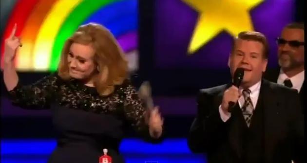 Adele giver finger, briterne raser! Adele, Brit Awards,