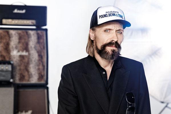 Steen Jørgensen taler ud om sin arm! Voice - Danmarks største stemme, Steen Jørgensen,