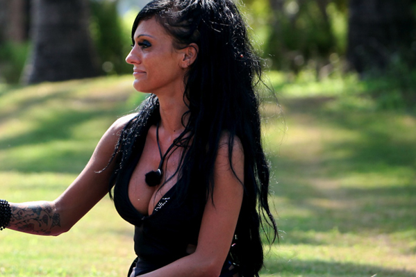 Paradise-stripper stukket i ryggen! Paradise Hotel, Angelin Jobda, Sebastian, Grækeren, Sascha,