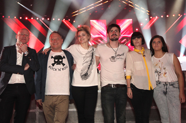 To verdenspremierer i X Factor i aften! X Factor, Sveinur, Line, Ida,