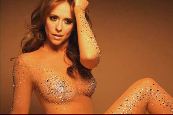 Love Hewitts bryster er for store! Jennifer Love Hewitt,