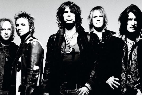 Aerosmith snydt af store bryster! Aerosmith, Steven Tyler,